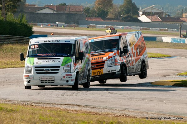 Ford Transit Trophy - flying van