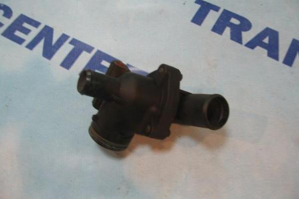 Boitier de thermostat 2.0 Ford Transit 2000-2006