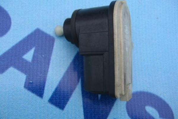 Moteur de regulation de  phare Ford Transit 2000-2013